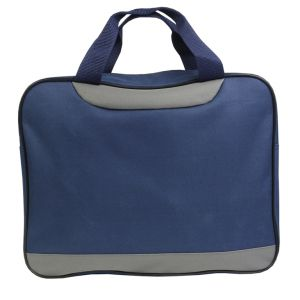 Polyester briefcase with shoulder strap, handle and zip closure 600D